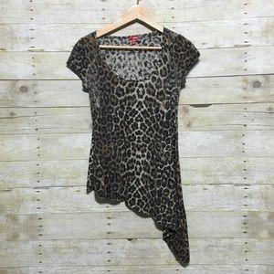 🆓BONGO asymmetrical leopard print top Jr size M